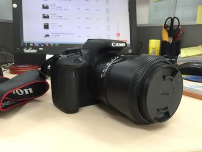出佳能kiss x7i(国内型号700D)单反相机+适马18-200 3.5-6.3 HSM二代镜头