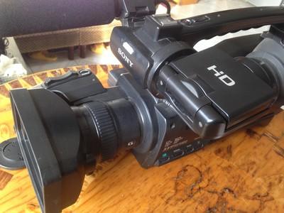 索尼 HXR-MC1500C 高清录像机