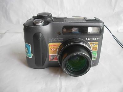索尼S85经典数码相机,1.7大CCD,收藏使用
