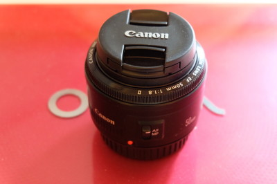 佳能 EF 50mm f/1.8 IS