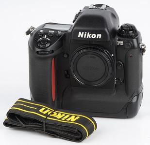 尼康F5 Nikon F5 专业旗舰自动135胶卷胶片相机 3221481#