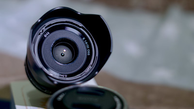 索尼 E 35mm f/1.8 OSS(SEL35F18)