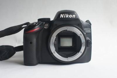 尼康D3200    另有18-105套头