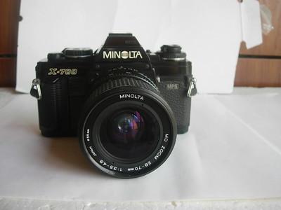 较新美能达X700单反相机带28---70mm镜头