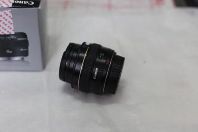 出个佳能 EF 50mm f/1.4 USM