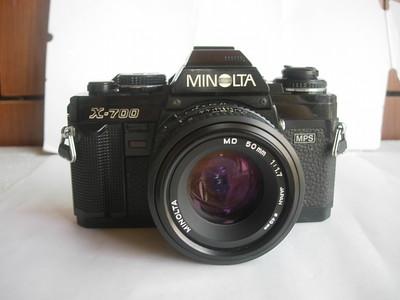 较新美能达X700单反相机带50mmf1.7镜头