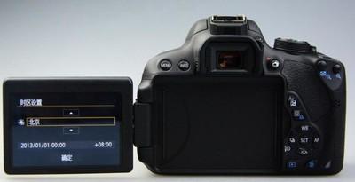 700D机身、18-55mm STM镜头、16G SD卡、相机包