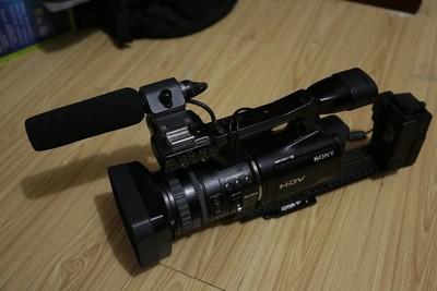 索尼 HVR-V1C 带HVR-MRC1K数码记录单元