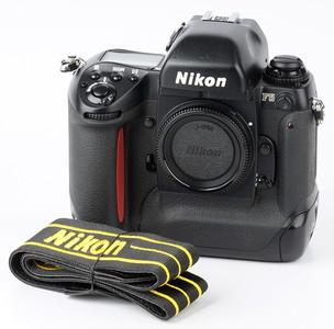 尼康F5 Nikon F5 专业旗舰自动135胶卷胶片相机 3126074#