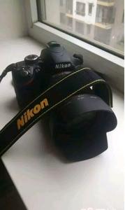 300快门99新尼康D3200(带18-105镜头)出售