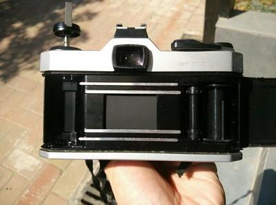 宾得胶片相机K1000,可置换尼康镜头。
