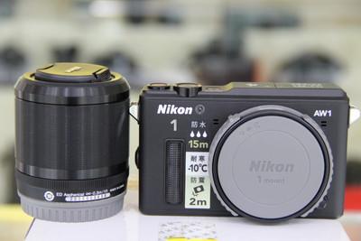 出一套绝对99新的尼康AW1防水相机
