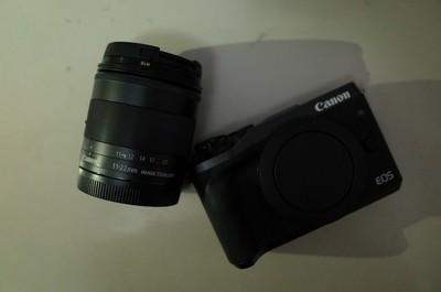 购买十天的佳能微单 M6,11-22mm镜头,B+W 007保护镜,国产电池