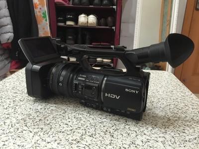 挥泪低价出索尼 HVR-Z5C