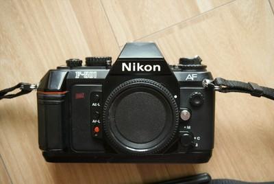 Nikon F-501 (N2020)