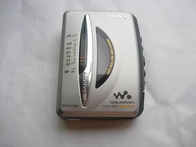 很新索尼FX195磁带随身听,可以收音