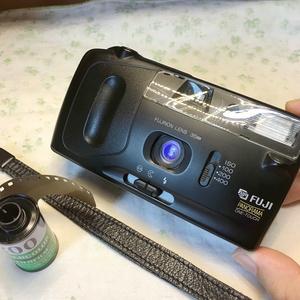 Roc___170元富士ONE-TOUCH 宽幅35mm定焦傻瓜胶片机