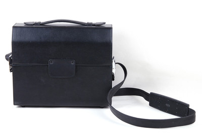 【美品】 徕卡 黑色小牛皮 单肩相机包 #jp19212
