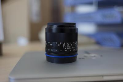 蔡司Loxia 35mm f2索尼全画幅E卡口手动头95新