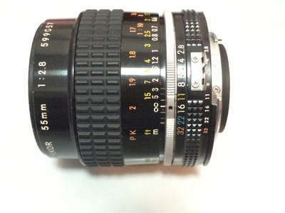 尼康AIS 55/2.8微距