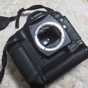 佳能 EOS 1D Mark II