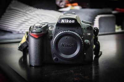 尼康 D90套机18-105MM VR镜头