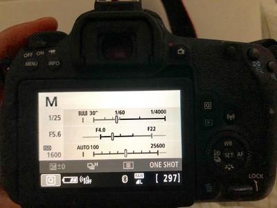 佳能EOS 77D(18-85MM)套机
