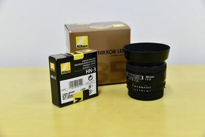 尼康 AF 35mm f/2D 和HN-3遮光罩