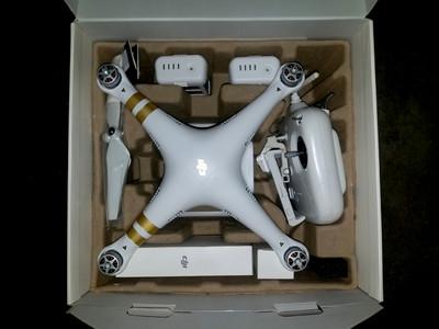 大疆精灵PHANTOM 3SE 全新机身 双电 赠背包 带DJI-CARE