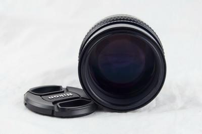 尼康AIS 105 1.8 镜头