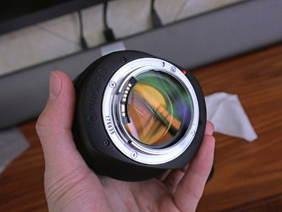 佳能 EF 85mm f/1.2L II USM 带B+W UV镜 配件齐全