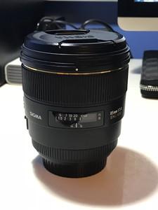 适马 85mm f/1.4 EX DG HSM (佳能口)