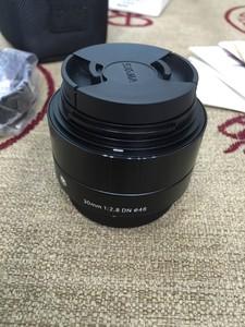 适马ART 30mm F2.8 DN半画幅标准定焦镜头(M4/3卡口镜头)黑色