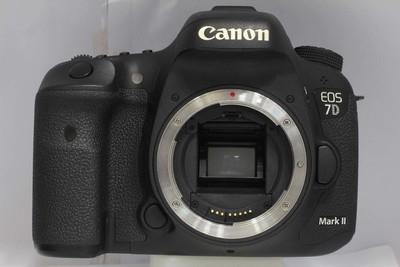 【APS画幅专业数码相机】佳能 7D Mark II(NO:2720)