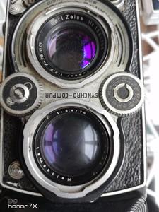 1950年代、外观磨损明显各项功能完好,可置换佳能镜头。