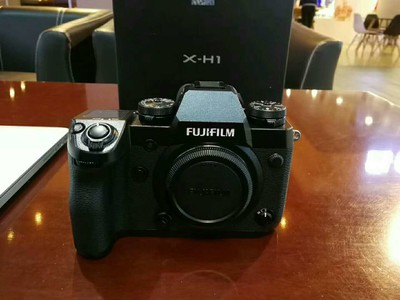 富士X-H1 (单机身)