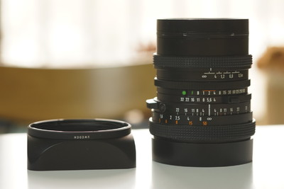 Hasselbald Distagon 50mm f/4 CF (FLE)带遮光罩