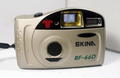 """德国:""""奇能"""" BF-66D 全自动135胶片照相机"""