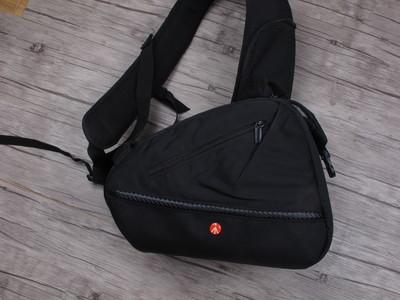 个人出售全新曼富图 MB MA-S-A1 时尚单肩摄影包