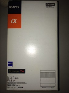 索尼 Carl Zeiss Sonnar T* E 24mm f/1.8 ZA(SEL24F18Z)