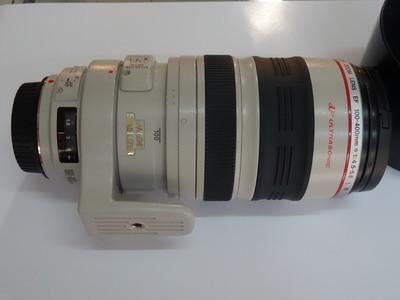 佳能 EF 100-400mm f/4-5.6L IS