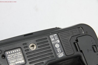新到 9成多新 尼康D300 单机 可交换 编号9356