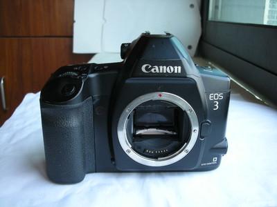 较新佳能Canon EOS-3经典专业相机,收藏使用