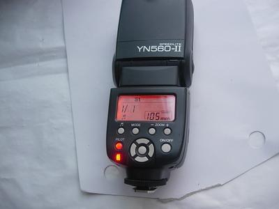 很新永诺 YN-560 560-2 闪光灯