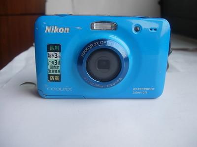 很新尼康S30防水防摔相机,漂亮的天蓝色