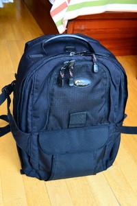 95新乐摄宝Compu Trekker AW专业电脑相机双肩背包