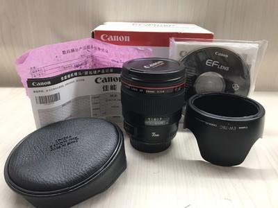 《天津天好》相机行 99新 行货全套 佳能35/1.4L 镜头