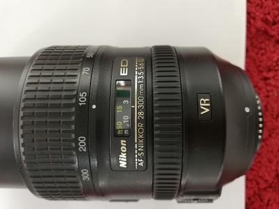 出一支成色不错的尼康 AF-S 尼克尔 28-300mm f/3.5-5.6G ED VR