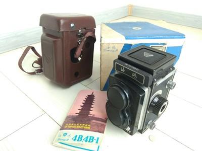 二手成色非常新海鸥4b双反相机,有原厂纸盒包装和皮套