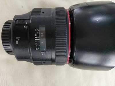 出一支成色不错的佳能 EF 85mm f/1.2 L II USM(大眼睛)